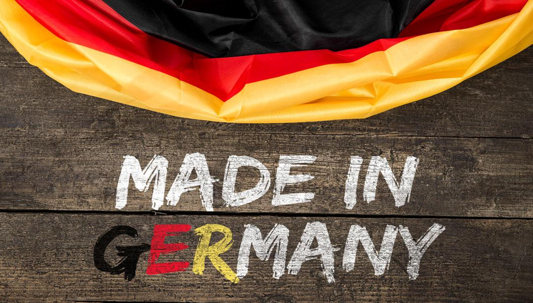 "Deutschlandflagge mit dem Slogan ""Made in Germany"""